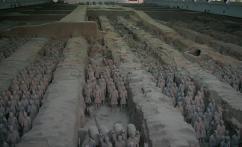 兵马俑 (terracotes)