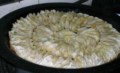 锅贴 (Chinese dumplings)