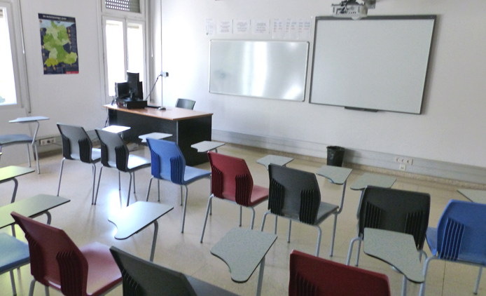 medium-sized classroom